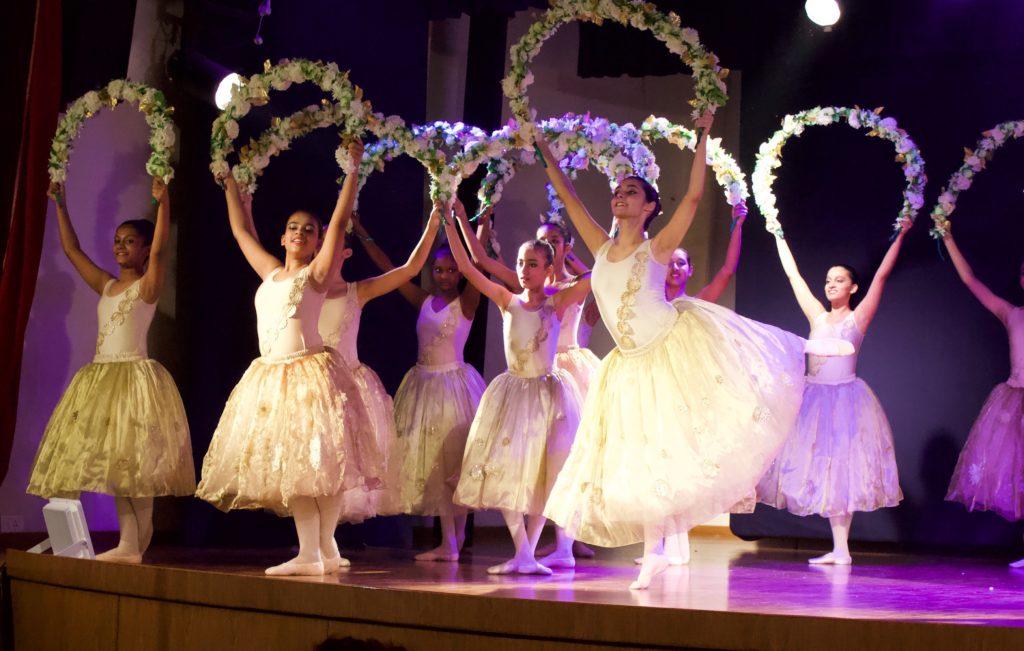 NYB dancers in Fleur D'Or