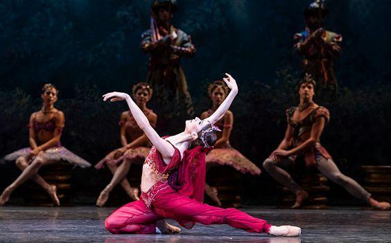 Marianela Nunez as Nikiya in The Royal ballet's production of la Bayadere